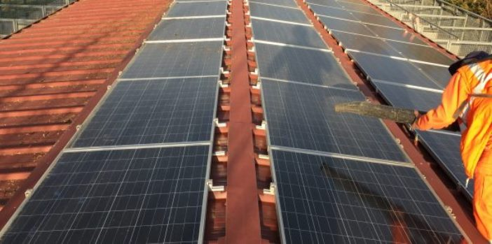 Pannelli Fotovoltaici Operatore Meridiana