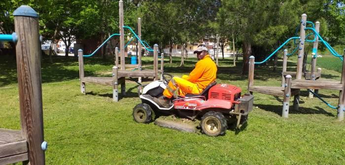 Trattorino Rasa Erba Parco Piediripa