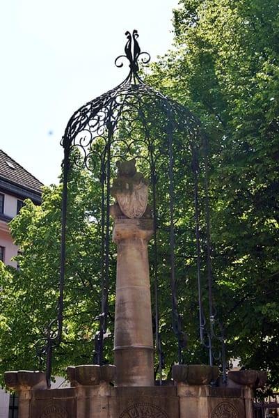 Nikolaiviertel, el oso de Berlín