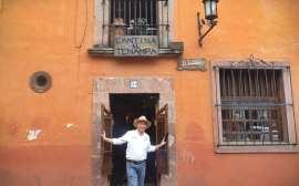 Cantina en san Miguel de Allende, México
