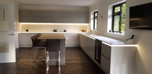 Tomba Second Nature Handleless Kitchen in Ferndown