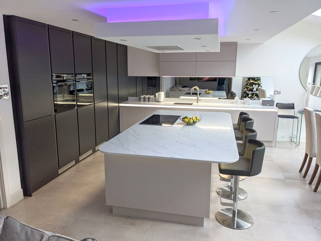 open plan handleless kitchen