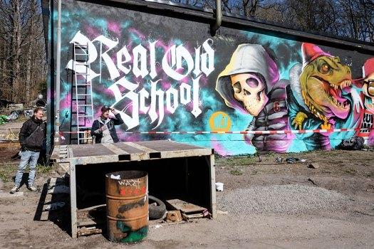 Real-old-school-(1-av-1)