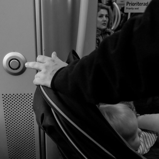 hand-knapp-bebbe-passagerare