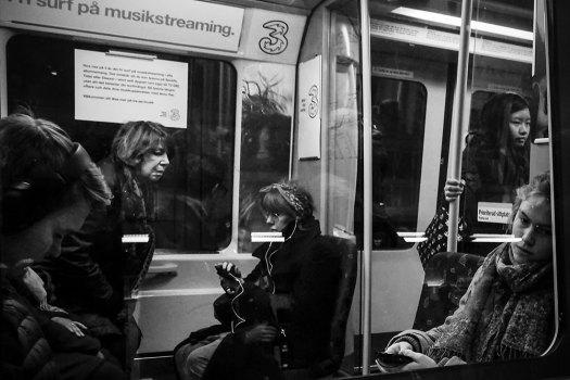 Women,-subway