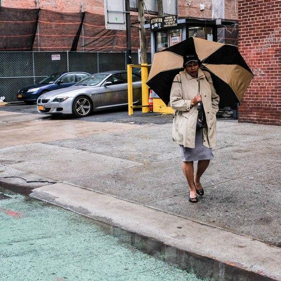 Beigesvart-paraply