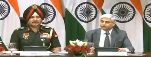 DGMO,  Lt General Ranbir Singh with MEA spokesperson Vikas Swarup.