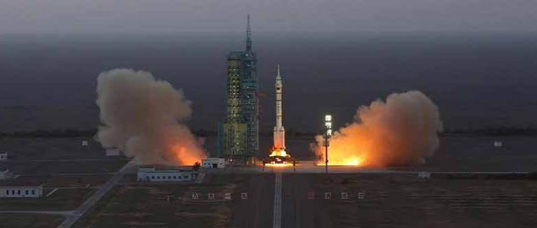 The Long March-2F carrier rocket carrying China's Shenzhou-11 manned spacecraft blasts off from the launch pad at the Jiuquan Satellite Launch Center in Jiuquan, northwest China's Gansu Province, Oct. 17, 2016. Photo courtesy: (Xinhua.