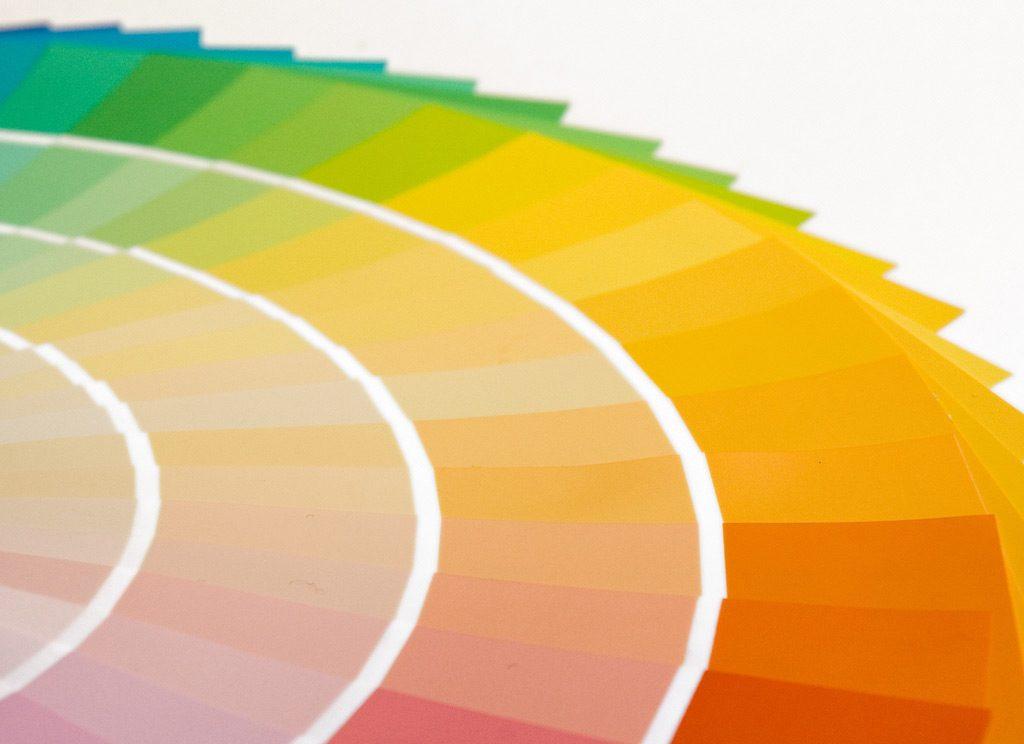 Denk goed na over de kleuren die je wilt gebruiken in je design