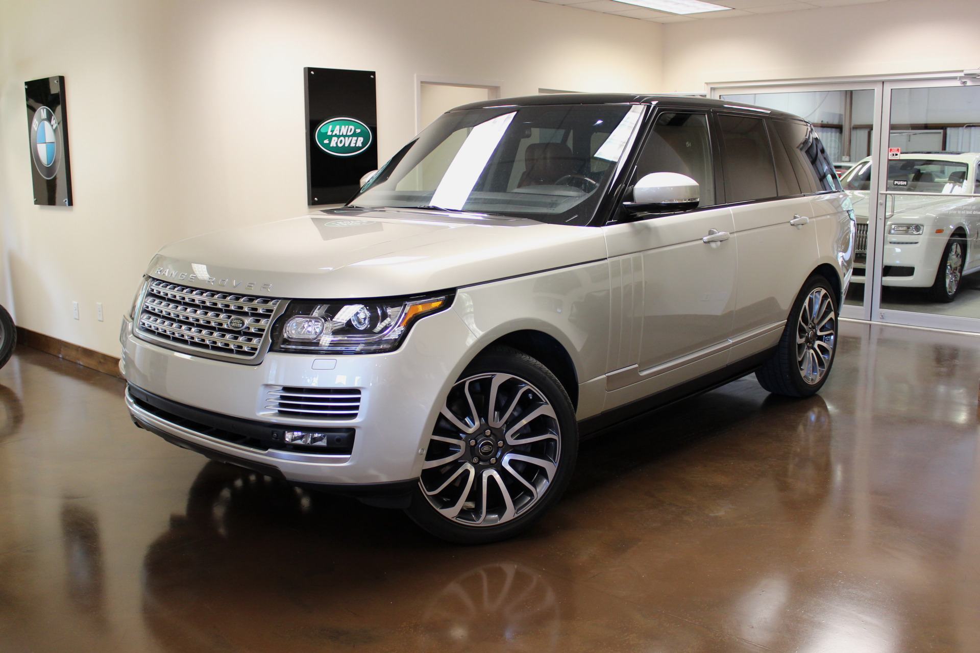 Used 2014 Land Rover Range Rover stock P3080 Ultra Luxury Car