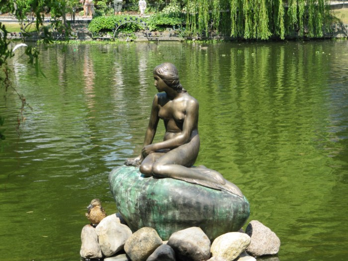 The Little Mermaid statue in Tivoli Gardens in 2010