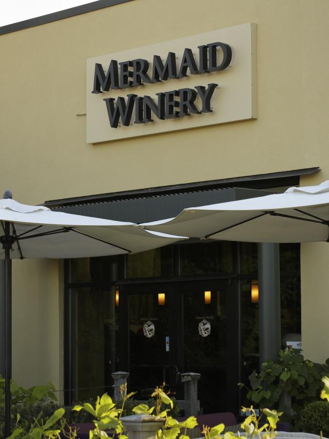 outside of mermaid winery norfolk
