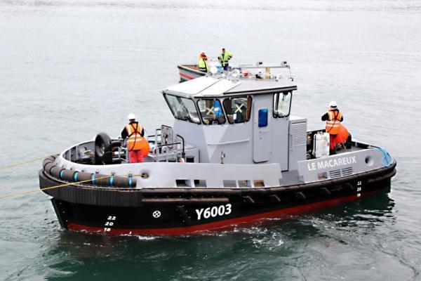 CIB met à l'eau un remorqueur-pousseur pour la Marine Natoinale