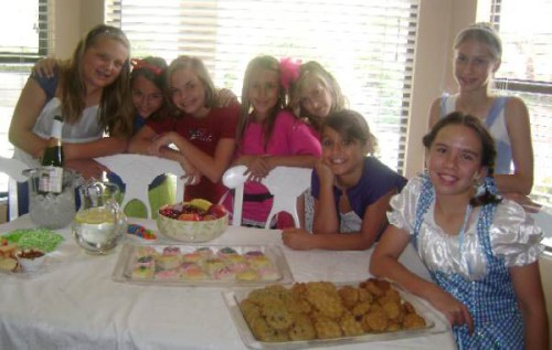 A group photo at Mia's girl party