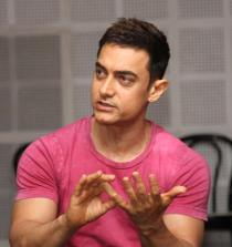https://commons.wikimedia.org/wiki/File:Aamir_Khan_at_Satyamev_Jayate_press_conference_10.jpg