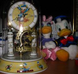 Donald Duck Clock