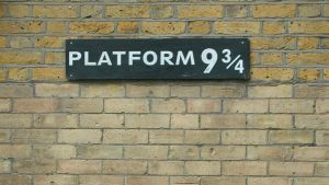 Platform 9 3/4 sign