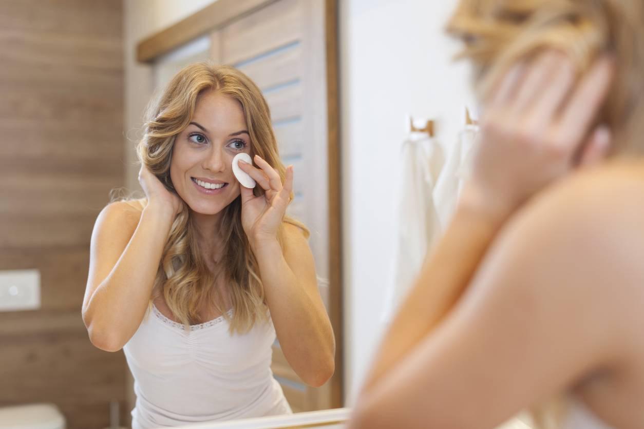 Démaquillage : geste important pour la beauté de la peau - Mes-Beautips