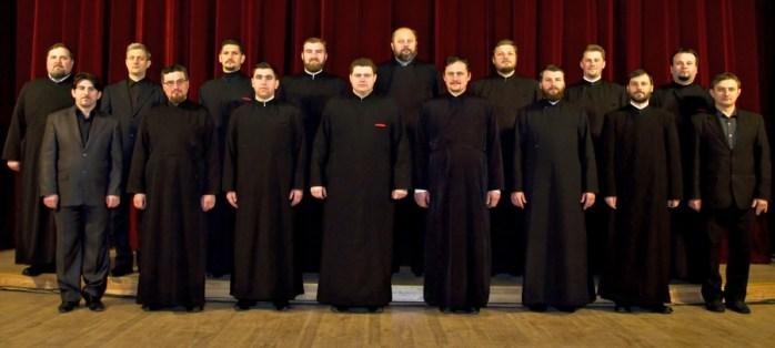 """Corala ortodoxă """"Sf. Ierarh Leontie"""" din Protopopiatul Rădăuți a fost înființată în anul 2007 și se bucură de recunoaștere internațională"""