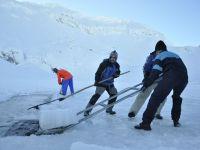 Bâlea Lac, șantier unic în România – constructorii gheții și lupta lor cu soarele de iarnă