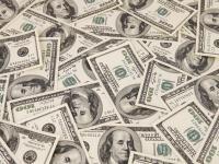 Dolarul a scăzut aproape de 3,8 lei | ANALIZĂ
