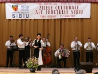 Peste 2.000 de participanți la caravana Zilelor Culturale ale Județului Sibiu, în Țara Oltului | VIDEO | FOTO