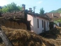 Etajul casei Oțetea s-a transformat în scrum