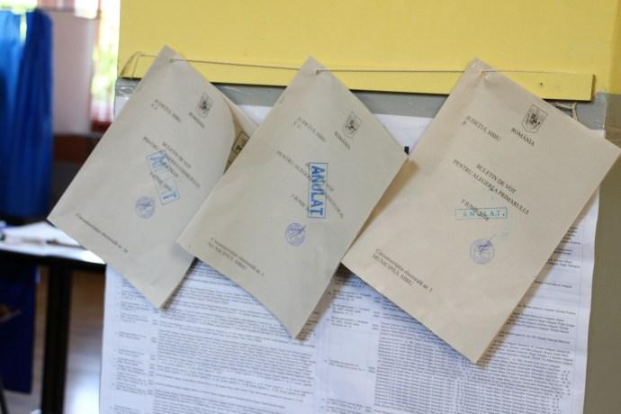 Buletine de vot | foto: Mihai Colibaba
