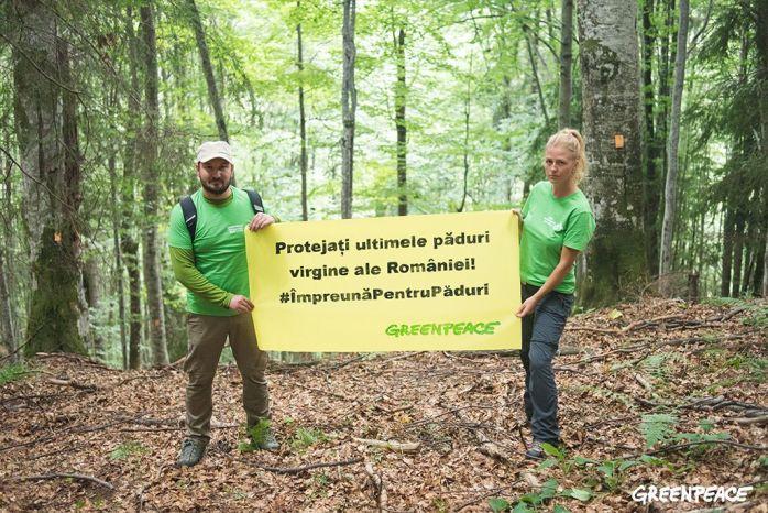 Adrian Bibu si Andreea Roseti_Credit foto Dan C--mpean_Greenpeace