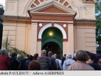 Aplauze și flori, în cimitirul evanghelic din Agnita, pentru Ioan Gyuri Pascu