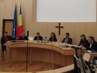 Consilierii județeni împart banii pentru primării