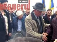 Daea a plecat de la Sibiu cu tolba plină! Ciorapi, vestă, fluier, țuică și brânză pentru cel mai popular ministru