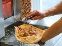 Una dintre mâncărurile preferate ale românilor ar putea fi interzisă în toată Europa