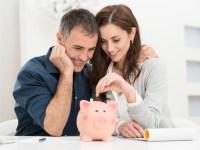 Cuplurile care țin banii la comun sunt mai fericite
