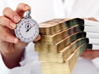 Ratele la împrumuturi cresc constant