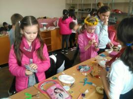 Atelier de învățare prin joc și explorare la Săcădate