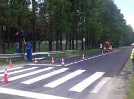 Covoare asfaltice noi pe trei drumuri județene