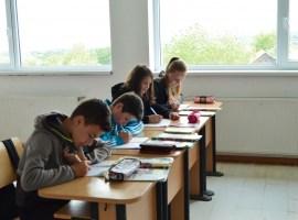 Ministerul Educaţiei va finaliza procedurile de monitorizare a copiilor aflaţi în afara sistemului de învăţământ