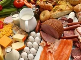 """Alimente """"falsificate""""! Ce pun producătorii în sucuri, miere și pește ca să scadă prețul și să înșele cumpărătorii"""