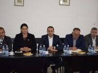 Întâlnire de lucru la Prefectură, pentru pregătirea spectacolelor organizate de Ministerul Turismului în ziua în care Sibiul va fi capitala Uniunii Europene