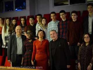 Carmen Iohannis și-a dus elevii la teatru