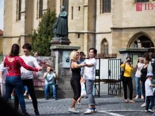 Teatrul de Balet Sibiu invită publicul la dans