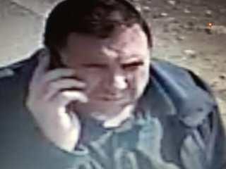 Bărbat căutat de polițiști, după ce a furat banii uitați de o sibiancă la bancomat