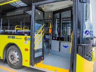 Răniți în autobuz, din cauza unei frâne bruște