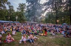 """Concerte de top, mâncare bună și miniparc de distracții, în weekend, la """"Sibiul de Odinioară"""". Pe scenă urcă Hara, Celelalte Cuvinte, Ducu Bertzi și mulți alții"""