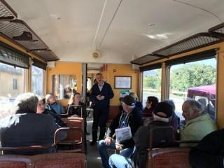 Prima carte despre tramvai lansată… într-un tramvai!