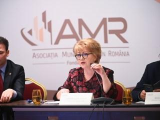 """Primarul Sibiului a participat la Adunarea Generală a Asociației Municipiilor din România: """"A fost un dialog viu și onest"""""""