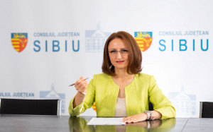 Preşedintele Consiliului Judeţean (CJ) Sibiu, autoizolat acasă. Luni a fost la Bucureşti, în aceeaşi sală cu un sen ator testat pozitiv