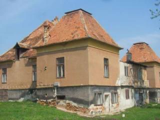 Consiliul Județean Sibiu scoate la licitație Castelul Thobias din satul Boarta