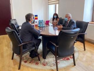 Despre ce au discutat consulul Germaniei la Sibiu și prefectul Mircea Crețu?